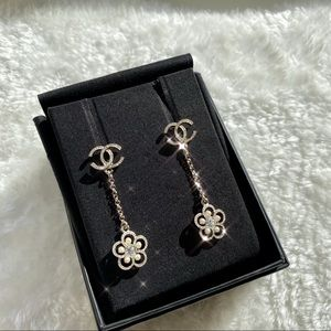 SALE!CHANEL crystal Earrings